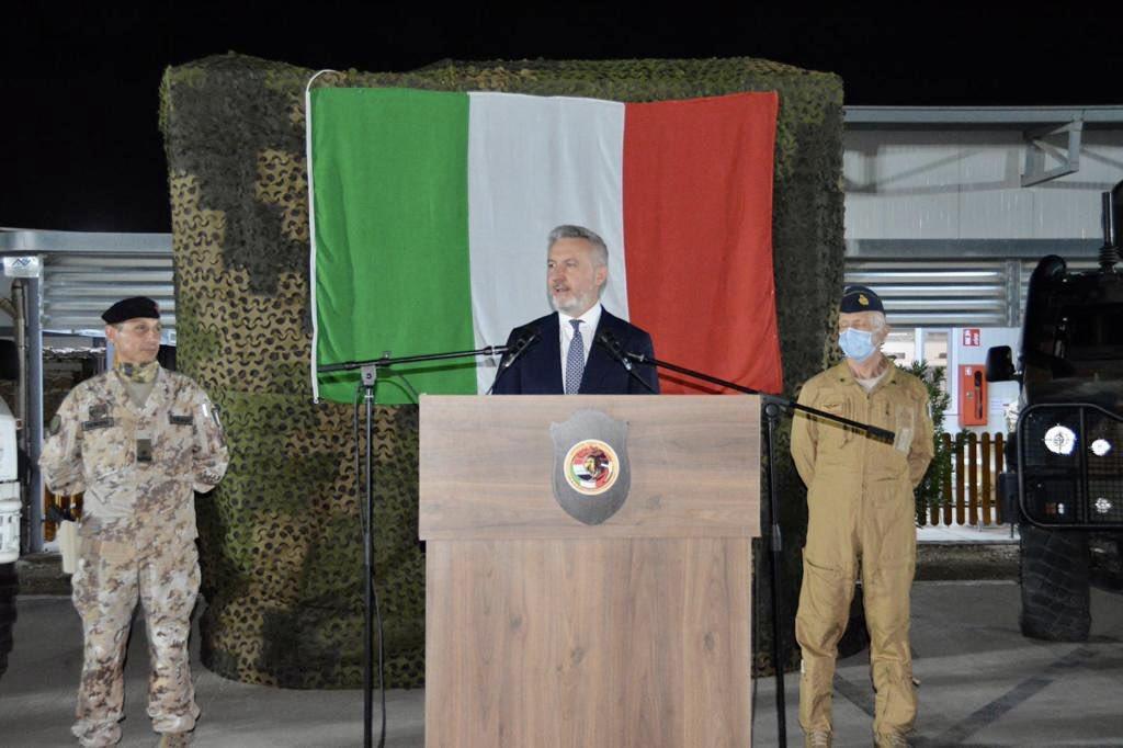 بوادر تعاون عسكري بين العراق وايطاليا  Ejb01x11