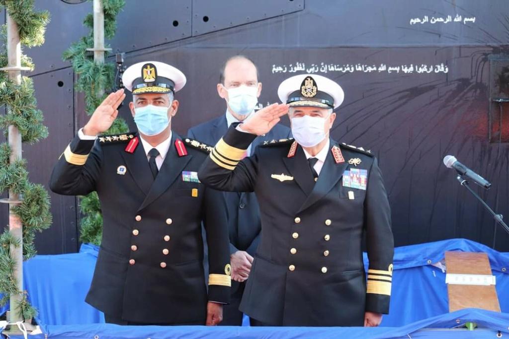 ألمانيا تنتهي من صنع الغواصة الرابعة من فئة تايب 209 الخاصة بالجيش المصري Ejfoi_10