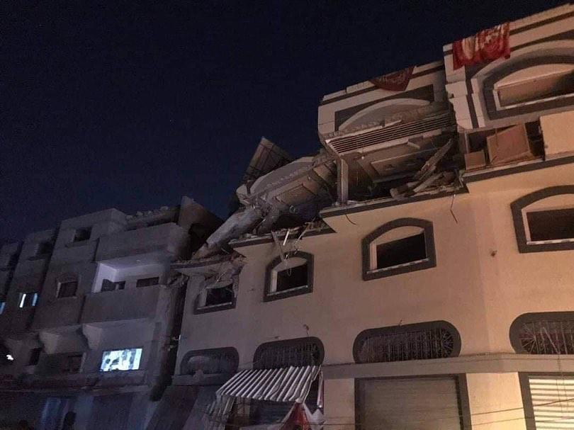 عاجل اسرائيل تشن هجمات على وسط قطاع غزة Ejjg_r10
