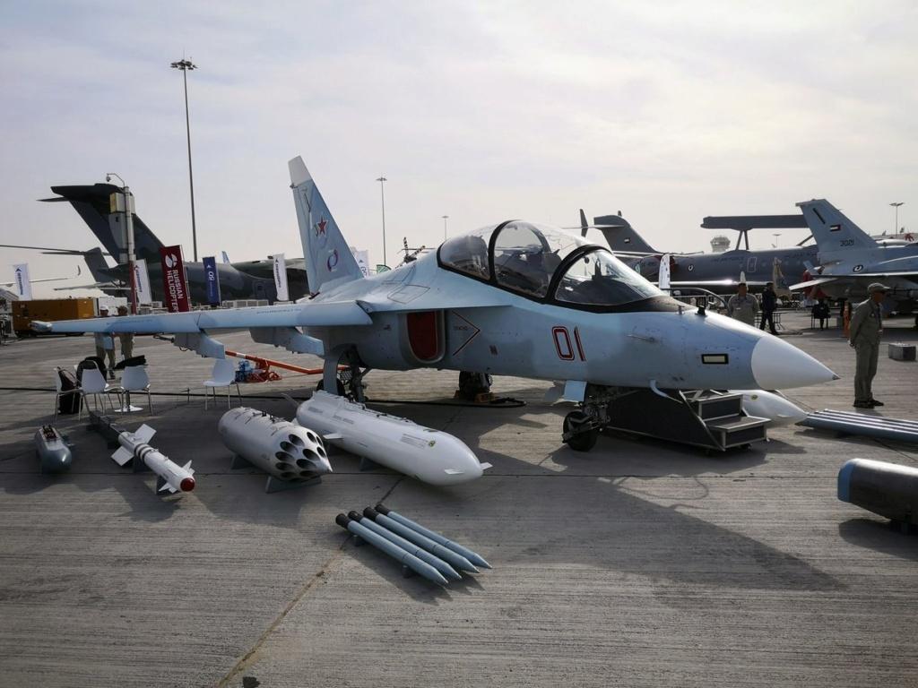 روسيا لتطوير طائرة التدريب المتقدم YAK-130 الى طائره مقاتله  Ejjvuc10
