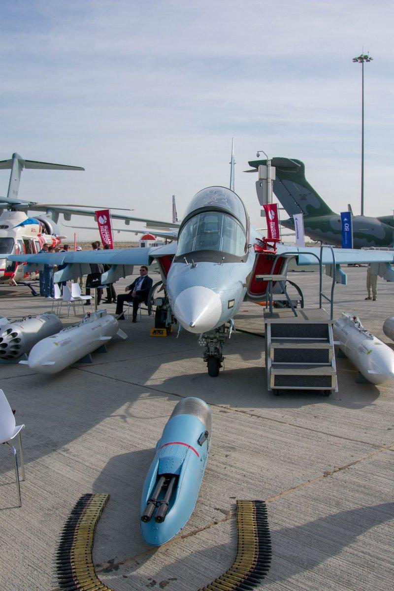 روسيا لتطوير طائرة التدريب المتقدم YAK-130 الى طائره مقاتله  Ejk7vr10