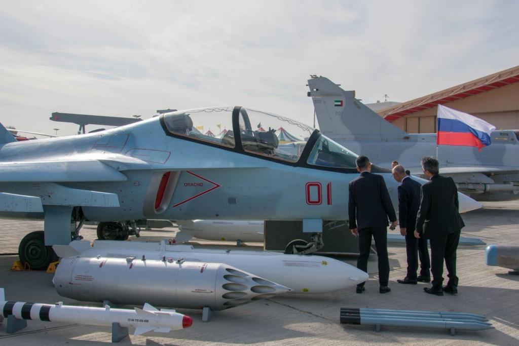 روسيا لتطوير طائرة التدريب المتقدم YAK-130 الى طائره مقاتله  Ejk7vz10