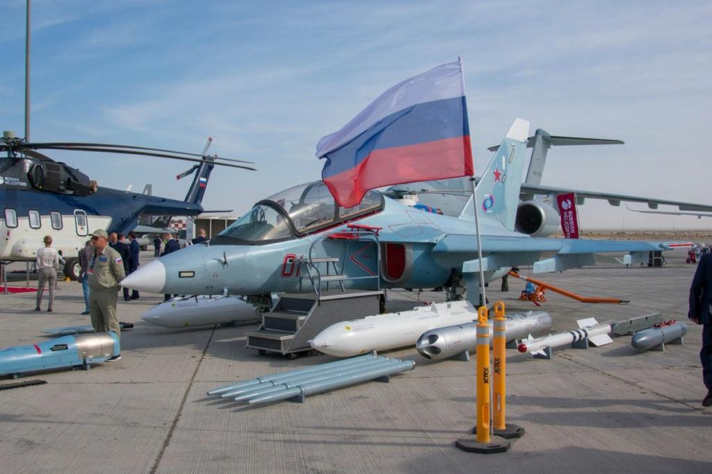 روسيا لتطوير طائرة التدريب المتقدم YAK-130 الى طائره مقاتله  Ejk7wo10