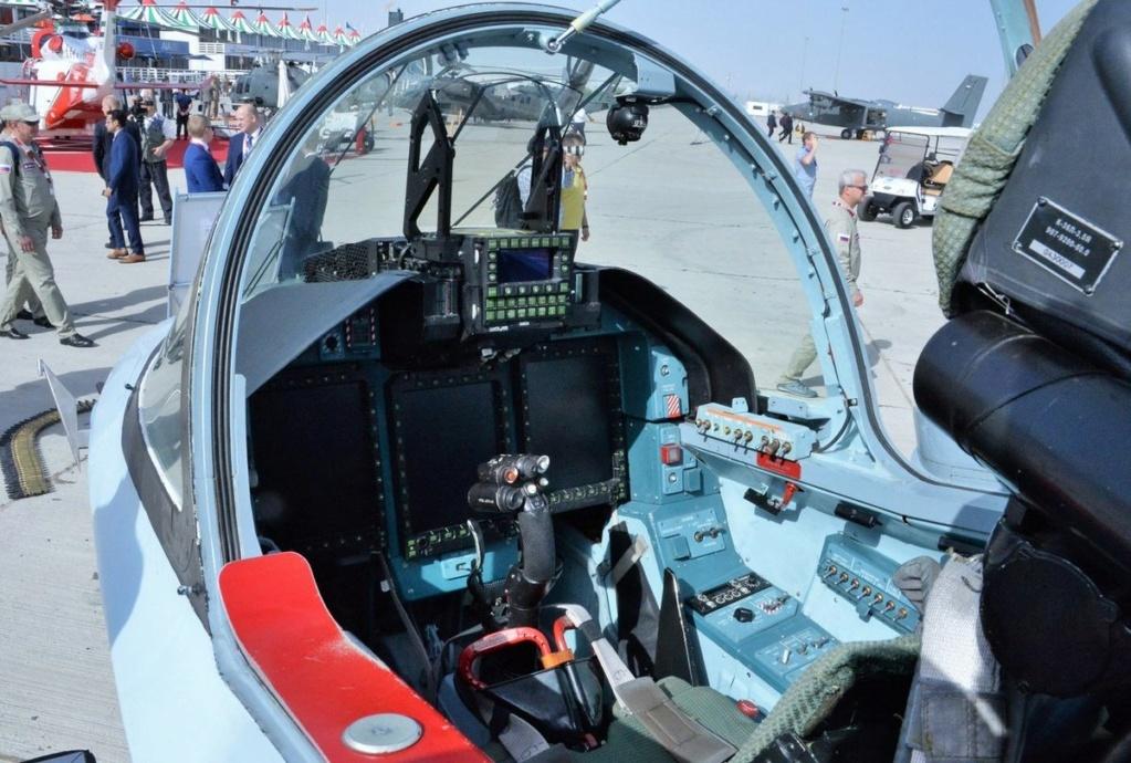 روسيا لتطوير طائرة التدريب المتقدم YAK-130 الى طائره مقاتله  Ejri2w10