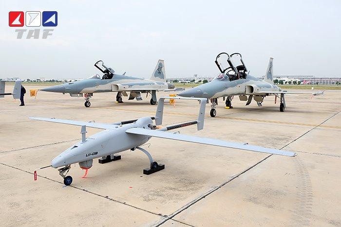 تايلاند تستلم اول نموذج من مقاتلات F-5F Super Tigris Ejvdwk10