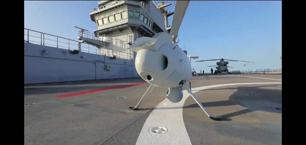 أول ظهور للدرون العمودي Camcopter S-100 على متن حاملة المروحيات المصريه من فئة Mistral- Elzmu010