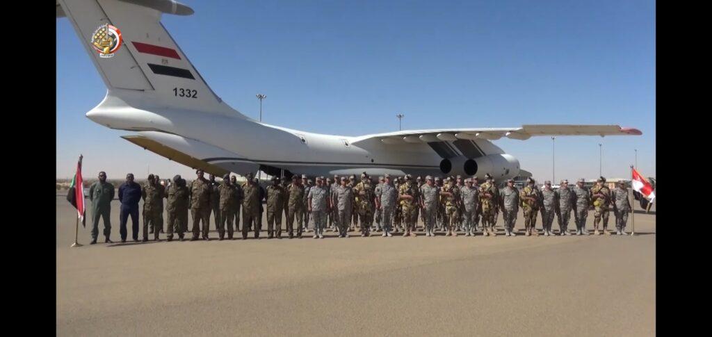 """مقاتلات مصرية تصل السودان ومناورات عسكرية تحت اسم """"نسور النيل 1"""" - صفحة 2 Em-qzb10"""