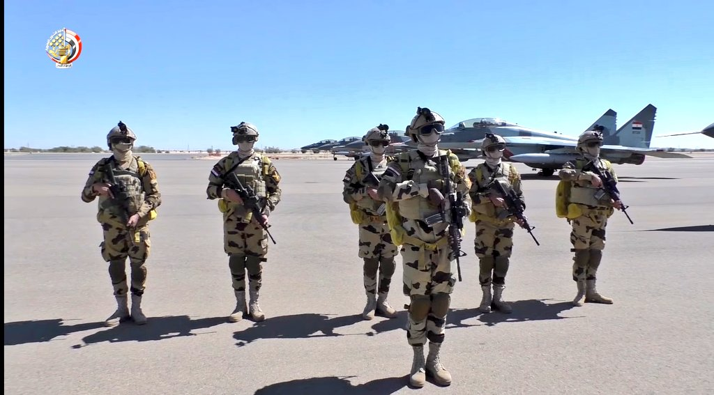 """مقاتلات مصرية تصل السودان ومناورات عسكرية تحت اسم """"نسور النيل 1"""" - صفحة 2 Em-ve710"""
