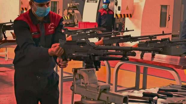 الرشاش المتعدد.. أحدث سلاح مصرى من إنتاج المصانع الحربية Em4uqj10