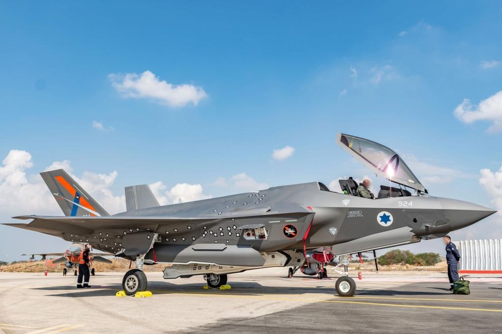 إسرائيل تتسلم أولى مقاتلات «إف 35» الأميركية في ديسمبر - صفحة 4 Emkkh512