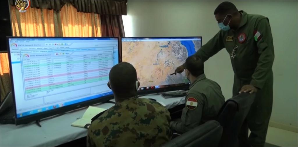 """مقاتلات مصرية تصل السودان ومناورات عسكرية تحت اسم """"نسور النيل 1"""" - صفحة 2 Envbxg10"""