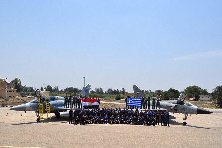 اليونان ستوقع اتفاقية دفاعية مع مصر  Eofrkq10