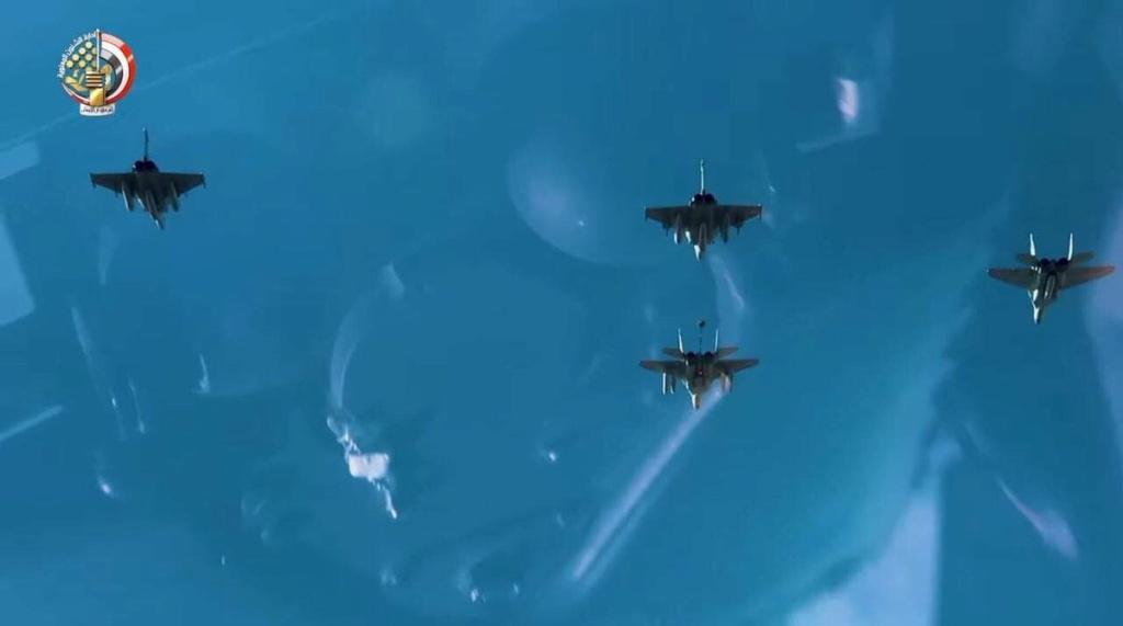 التزود بالوقود جوا بين طائرات ذات تكنلوجيات مختلفه المنشأ / سلاح الجو المصري انموذجا  Eokrpt11