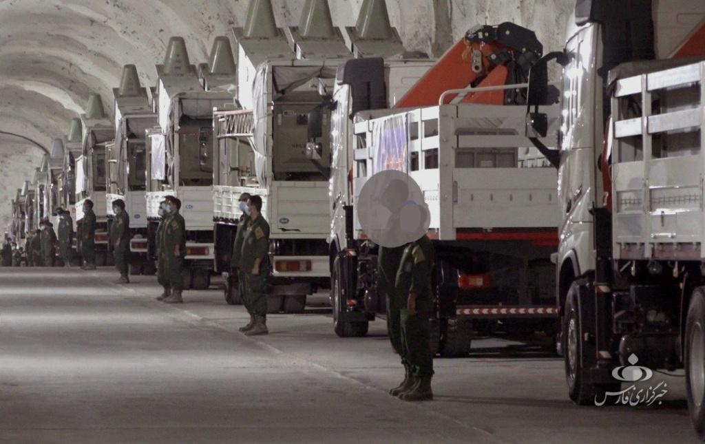 الحرس الثوري الإيراني يكشف قاعدة صواريخ تحت الأرض في الخليج   Ermm2p10