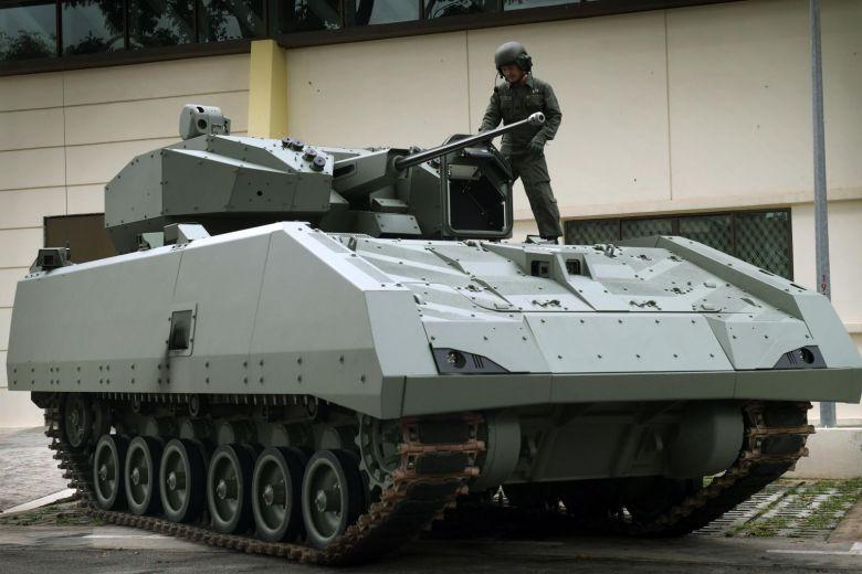 مركبة القتال المدرعة Hunter السنغافورية Ewq26i10