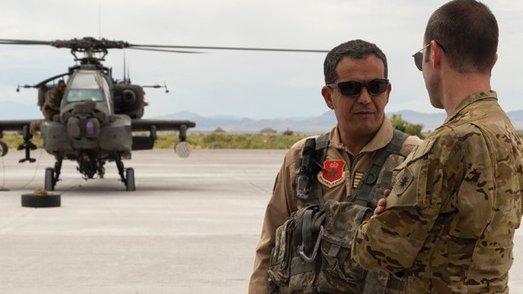 """القوات الجوية المغربية تستعد لاستقبال الدفعة الأولى من مروحيات """"أباتشي"""" الأمريكية Exhwgx10"""
