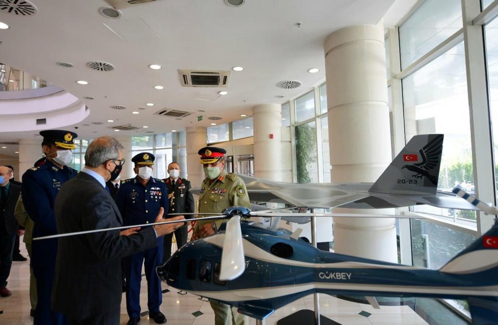 رئيس اركان الجيش الباكستاني يلتقي نظيره التركي لتعزيز العلاقات الدفاعية بين البلدين Exuzge10