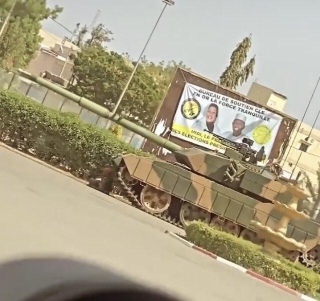 مقتل رئيس تشاد في معارك مع حركات مسلحة Ezccqo10