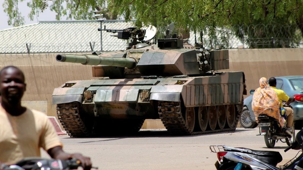 مقتل رئيس تشاد في معارك مع حركات مسلحة Ezccqo11