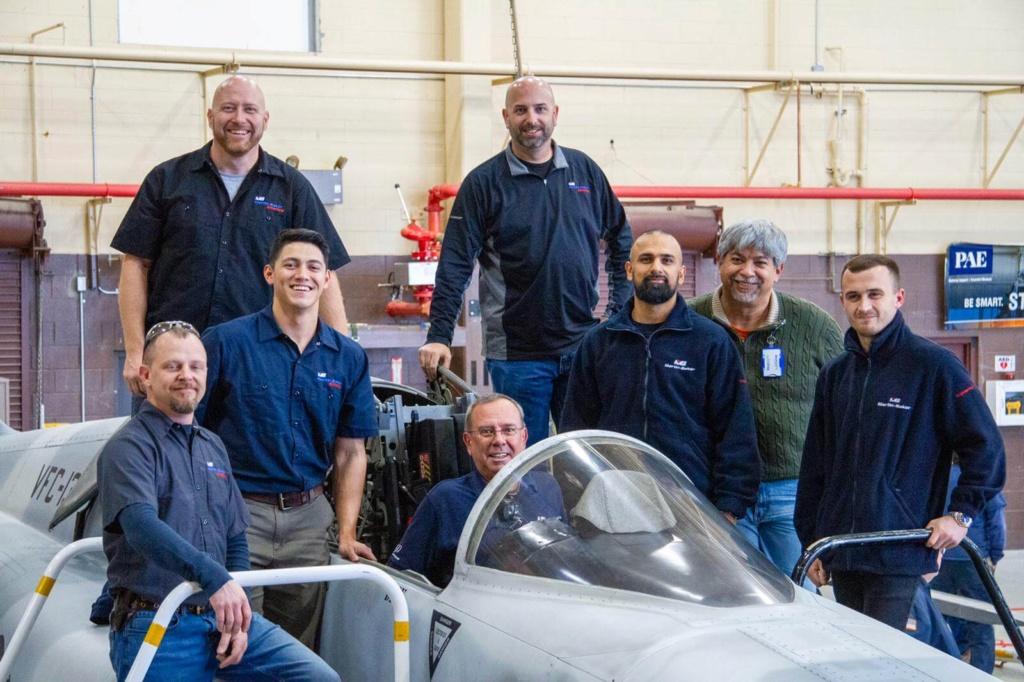 البحرية الأمريكية تتطلع إلى ترقيات لمقاتلتها العتيدة F-5 الفعالة لإعادتها للعمل. F-5-up10