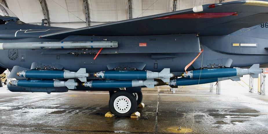 مقاتلة F15E Strike Eagle قادرة على حمل 15 من ذخائر JDAM في طلعة واحدة F15e_s10