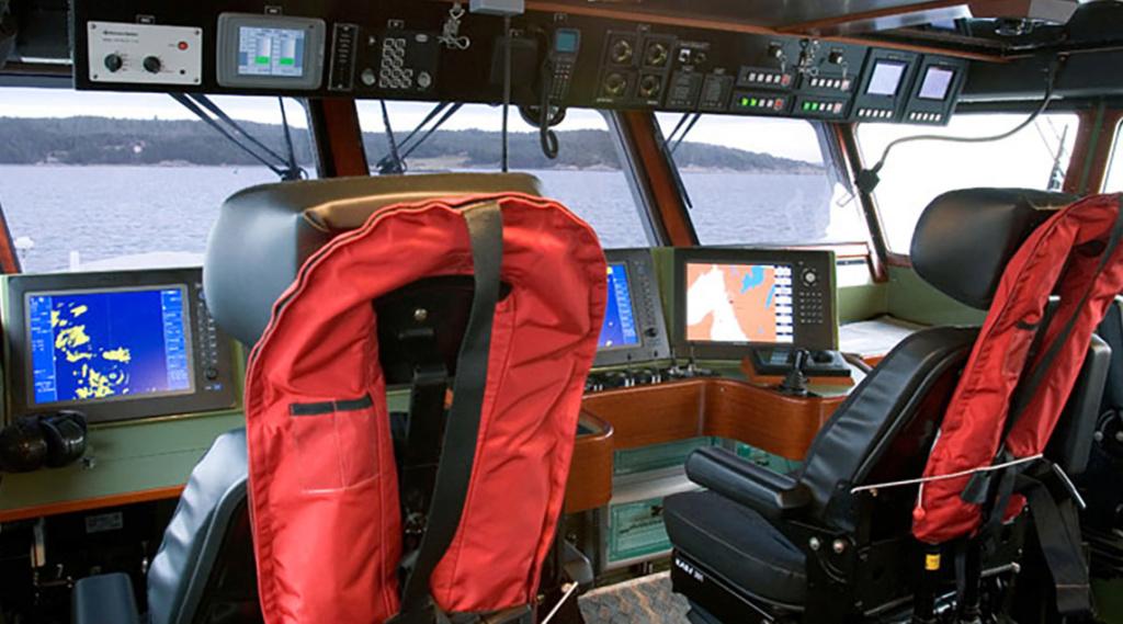 سفينة الامداد البحري السريع (طول 26 متر) من انتاج شركة أبوظبي لبناء السفن (ADSB) Fast_s10