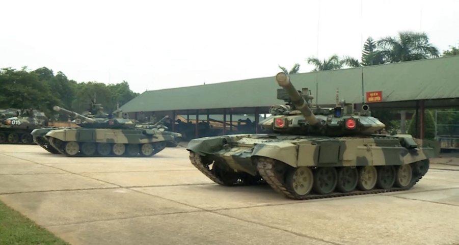 فييتنام تكشف عن دباباتها الجديده نوع T-90 S/SK وهي مجهزه بنظام الحمايه النشط Shtora. -1 Fg_28410