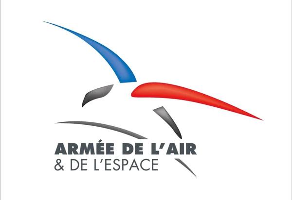 القوات الجويه الفرنسيه تغير اسمها وشعارها استعدادا لمهامها الجديده في الفضاء  Fmhen210