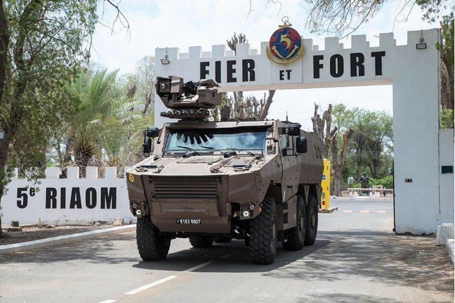 الجيش الفرنسي يطلب شراء 313 مركبة اضافية من انواع Griffon و Jaguar French12