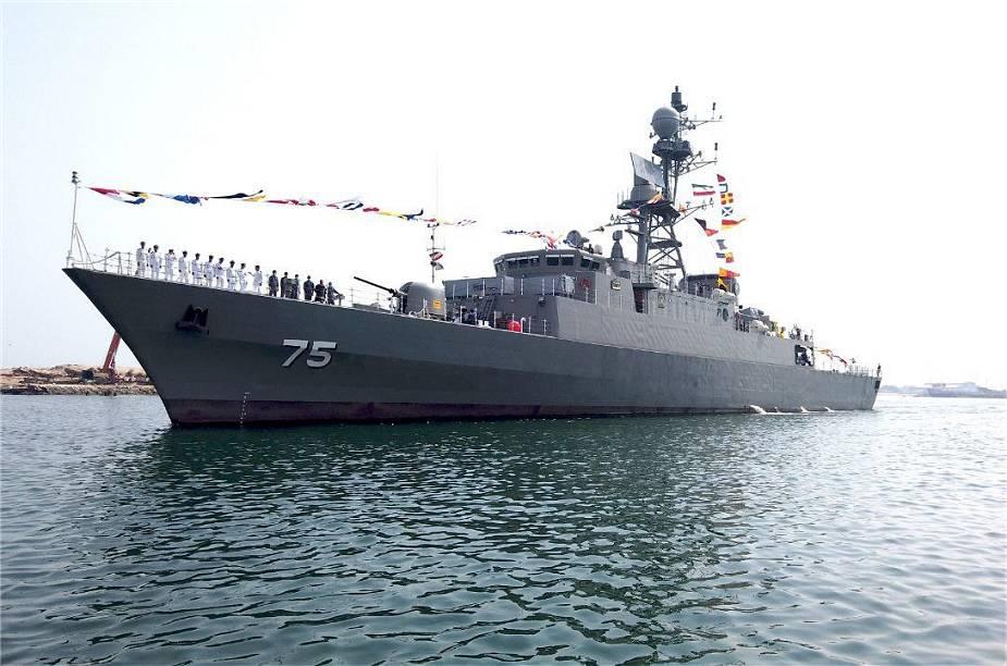 فرقاطة Dena من فئة Mowj-Class المصنوعة محليا تنظم رسميا للبحرية الإيرانية Home-m10