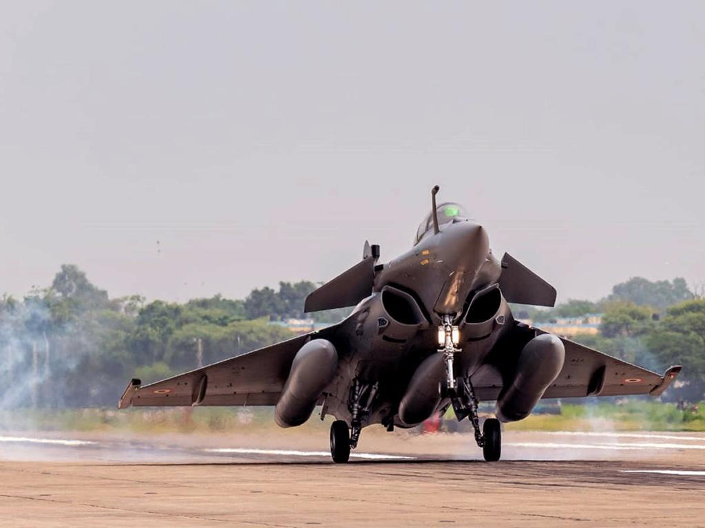 فرنسا نصحت بإبقاء الفنيين ذوي الاصول الباكستانية بعيدًا عن مقاتلات Rafale Iaf-ra10