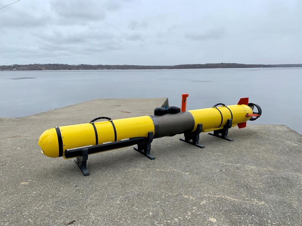 Iver4 900 : مركبة غير مأهوله تحت الماء  Iver-410
