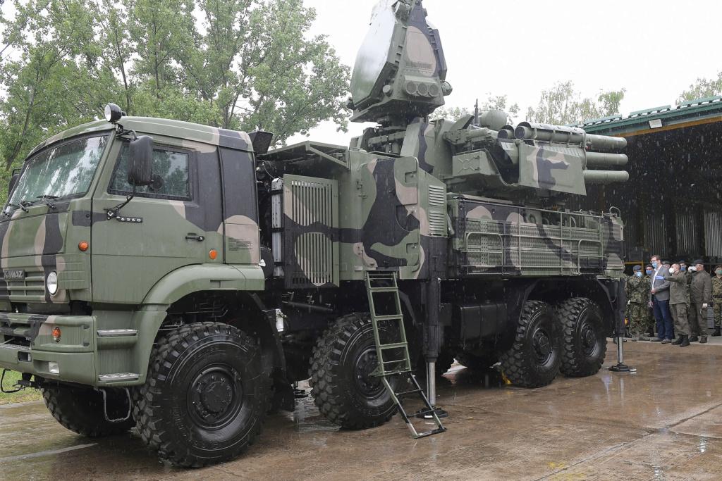 صربيا قدمت طلبا لشراء منظومات Pantsir S1 للدفاع الجوي من روسيا  Jov_1410