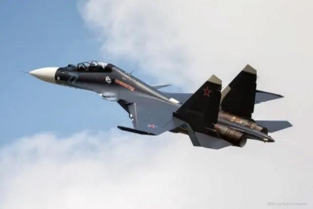 شركات الدفاع الروسية توقع 13 عقد تصدير تزيد قيمتها على1 مليار يورو في معرض MAKS 2021 Llll_110
