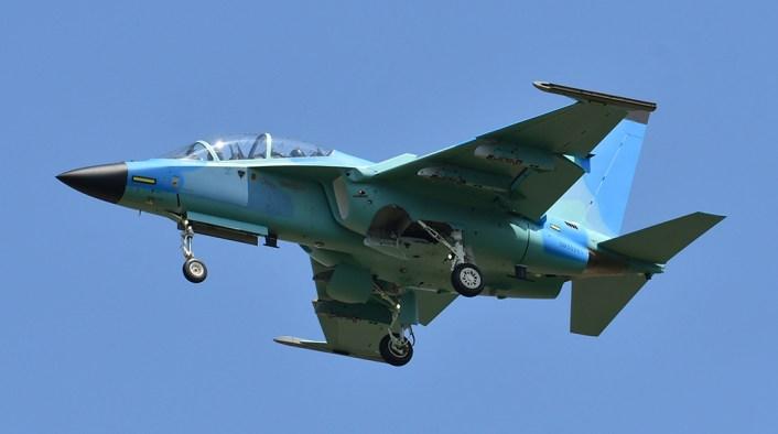 طائرة M-346 Master بتمويه غريب لصالح زبون اجنبي غامض M-346-11