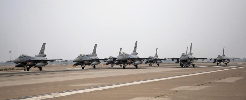تقرير غربي : على الرغم من مشاركه 23 مقاتله F-16 عراقية في استعراض يوم الجيش فأن الاستعداد القتالي لها موضع شك وقلق Messag10