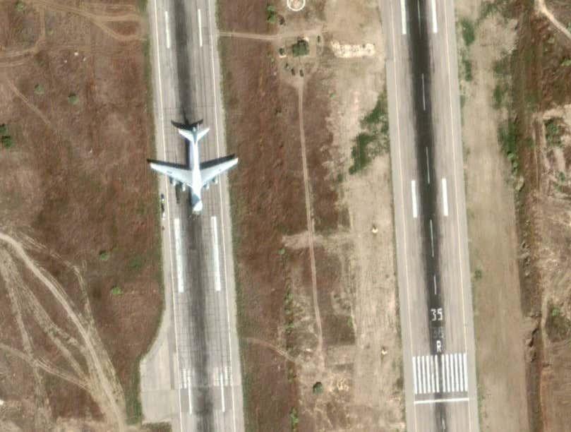 ماهي خطط روسيا المستقبليه في قاعدتها الجوية في حميميم السوريةا؟ Messag19