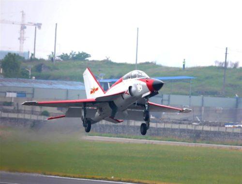 نسخه جديده من طائرة التدريب المتقدم JL-9 الصينيه جاهزه للقيام برحلتها التجريبيه الاولى  Mmexpo10