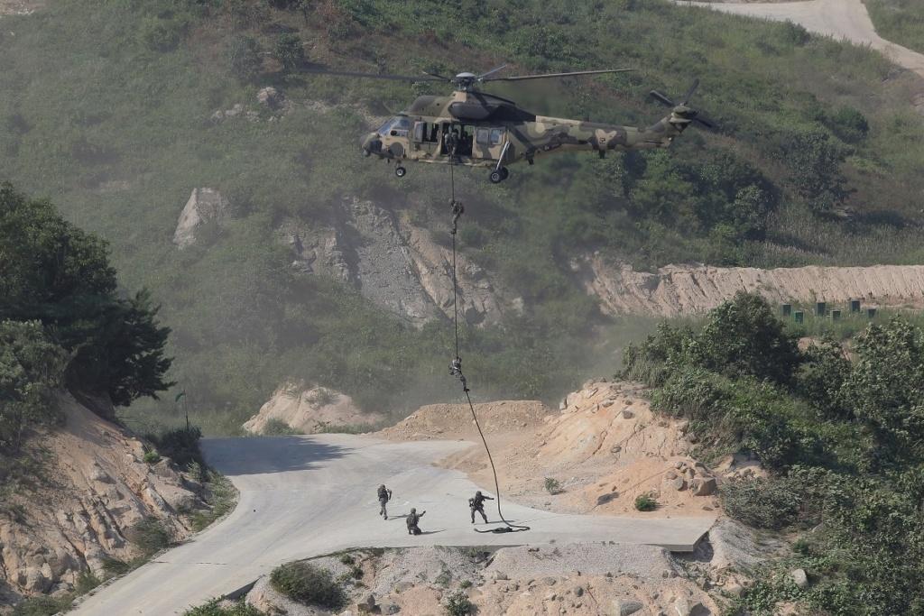 كوريا الجنوبية تستبدل مروحيات Black Hawks الامريكية الصنح بـمروحيات Surion المحلية الصنع Mpy7cf10