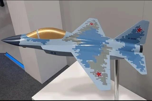 شركة MiG تعرض نموذجًا لمقاتلة خفيفة ذات محرك واحد قد تكون بديل محتمل لـ MiG-21 New_mi10
