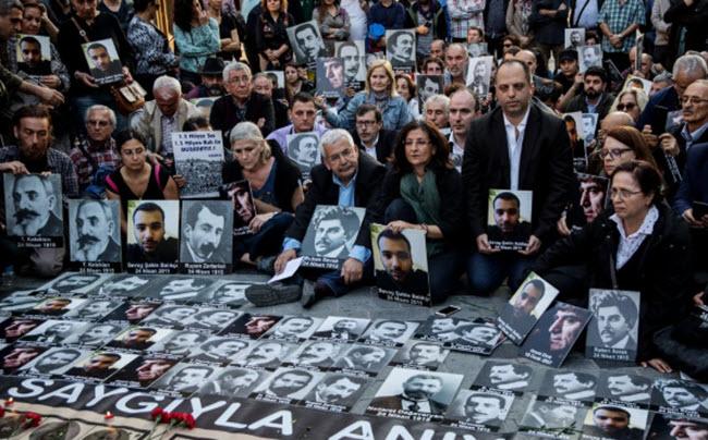 """مجلس النواب الأمريكي يعترف """"بإبادة"""" الأرمن Oya-oa10"""