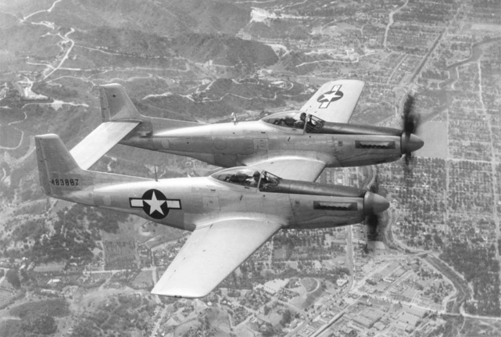F-82 Twin Mustang : المقاتله الامريكيه غريبه الشكل التي حققت النصر في سماء سيول الكوريه  P-82_t10