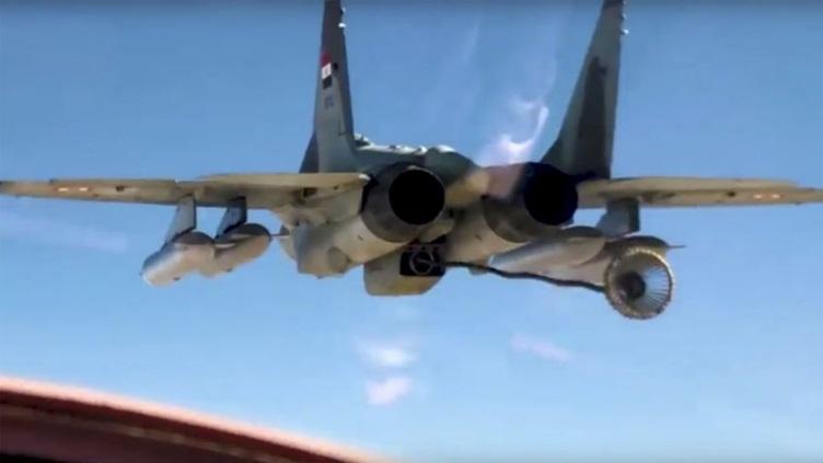التزود بالوقود جوا بين طائرات ذات تكنلوجيات مختلفه المنشأ / سلاح الجو المصري انموذجا  P1742410