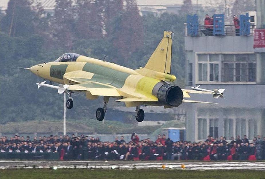 اول مقاتله باكستانيه نوع JF-17 Block 3 تقوم بأول تحليق لها في الصين  Pakist10