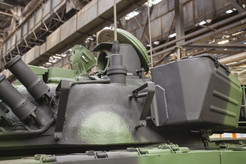 بولندا لتحديث دباباتها نوع T-72 بقيمه 450 مليون دولار Q2ncxs10