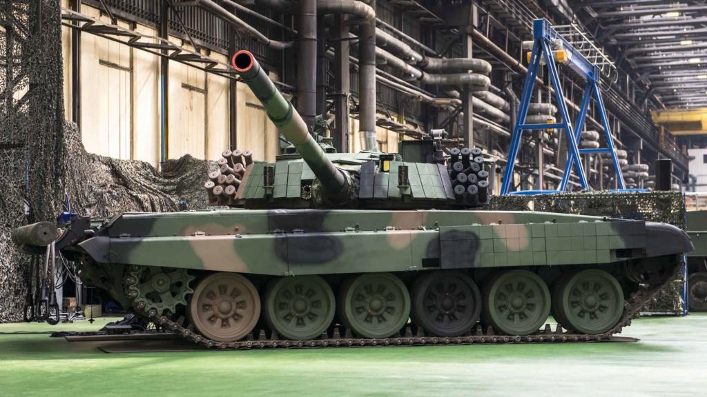 بولندا لتحديث دباباتها نوع T-72 بقيمه 450 مليون دولار Q2nd0610