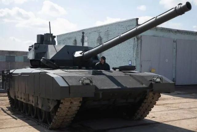 إنتاج دبابة Armata الروسية سيبدأ بشكل تسلسلي اعتبارًا من عام 2022 Qwertg10