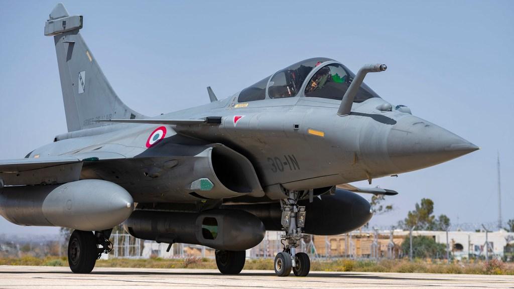 مقاتلات Rafale الفرنسيه تتجهز ببودات الاستطلاع  RECO-NG الجديده في عملياتها الجويه ضد داعش Rafale10