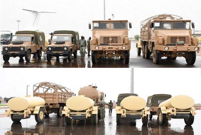 الجزائر سلمت 53 شاحنة لوجستية عسكرية ومركبة تكتيكية رباعية الدفع للقوات المسلحة المالية Rbqvsr10