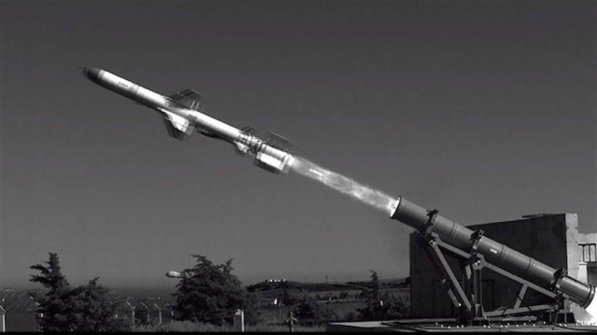تركيا تختبر بنجاح إطلاق صاروخ محلي من على سفينة وطنية Resize10